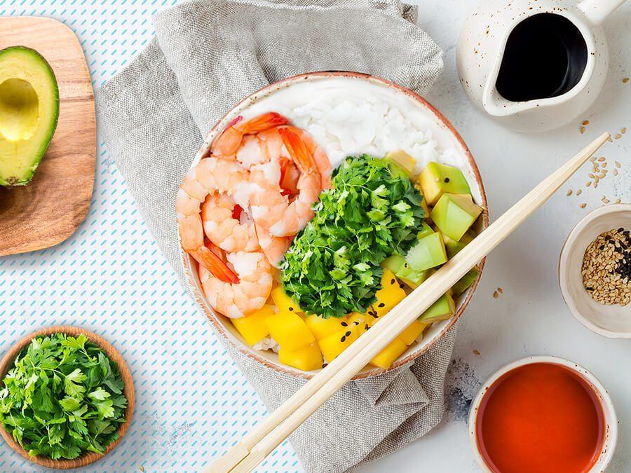 Poke-bowl-camarones-receta