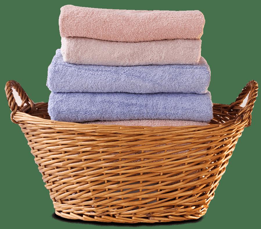 toallas limpias en cesto